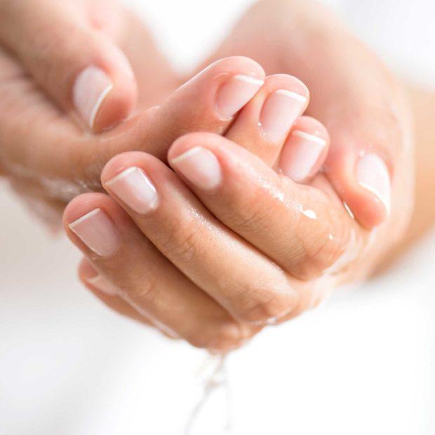 Natural Ways To Lock In Skin Moisture